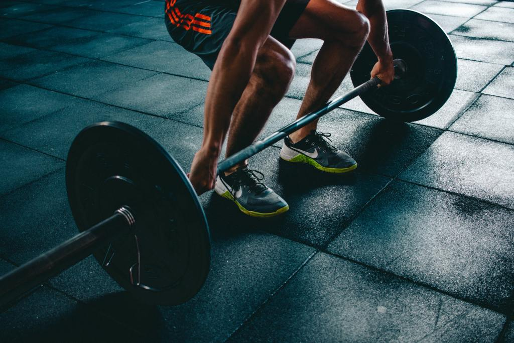現在健身正夯、FITNESS當道,男生要健身、女生更要去健身,而且健身房的推銷方式越來越花俏,但實際上簽月付費後,你真的有充分利用健身房呢?還是其實根本就一個月去不到1次,尤其是健身房的會員,一簽就至少是一年,如果沒有信心一周去3次以上,建議還是考慮先不要報名健身房會員吧。